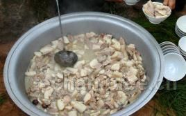 彝族坨坨肉的做法与吃法